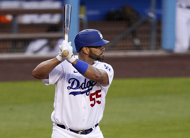 Pujols drives in a run in his Dodgers' debut
