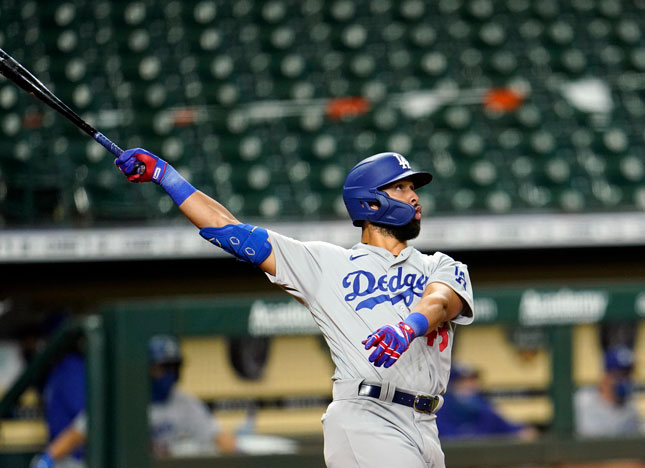 Rios Delivers, Dodgers Sweep Astros